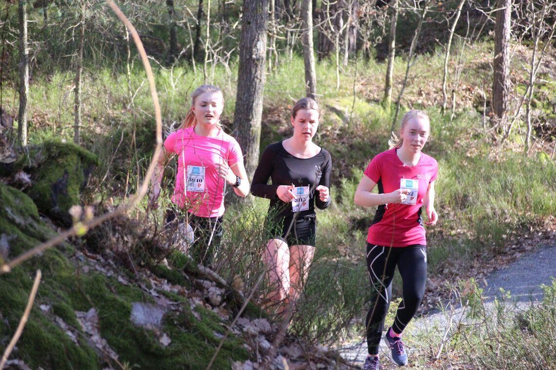 Det andre løpet i Terrengkarusellen i Kristiansand ble arrangert i Baneheia. Bildet er fra samme løp i 2019. (Foto: Guri Sæterlid)