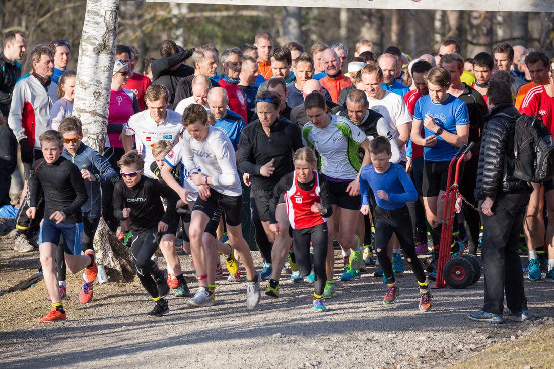 Fra starten på åpningsløpet i 2015. Blir det like bart og fint om en uke? (Foto: Heming Leira)