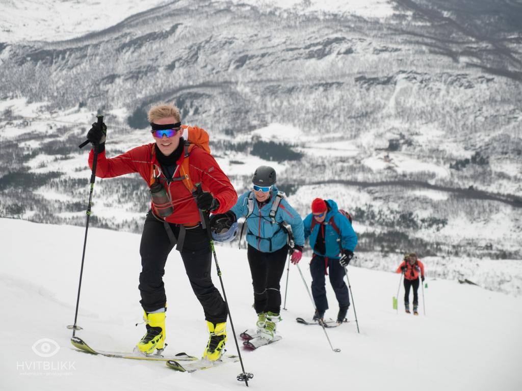 Captured at Vargfjordtind on 13 Apr, 2019 by Timme Ellingjord - Hvitblikk