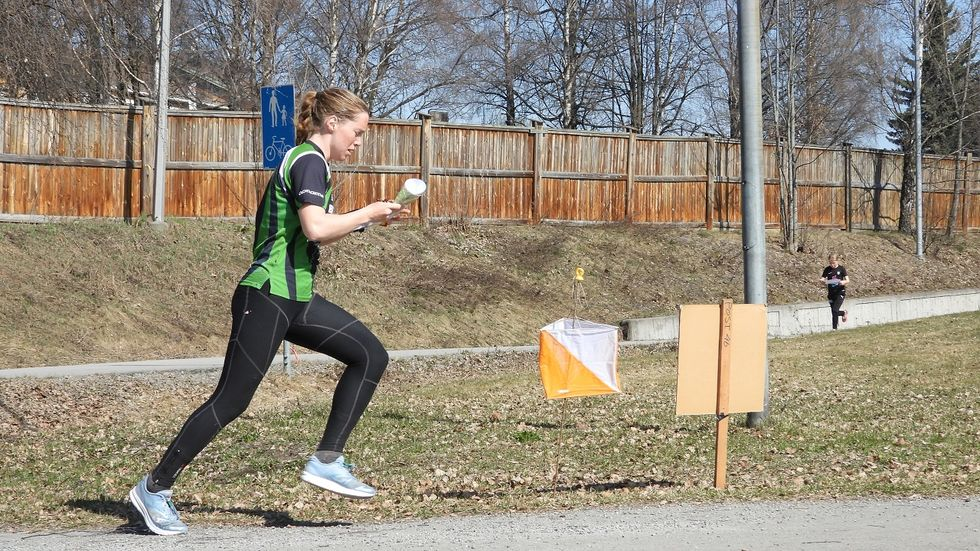 Nr. 2 D17:  Emilie Westli Andersen ut fra start.