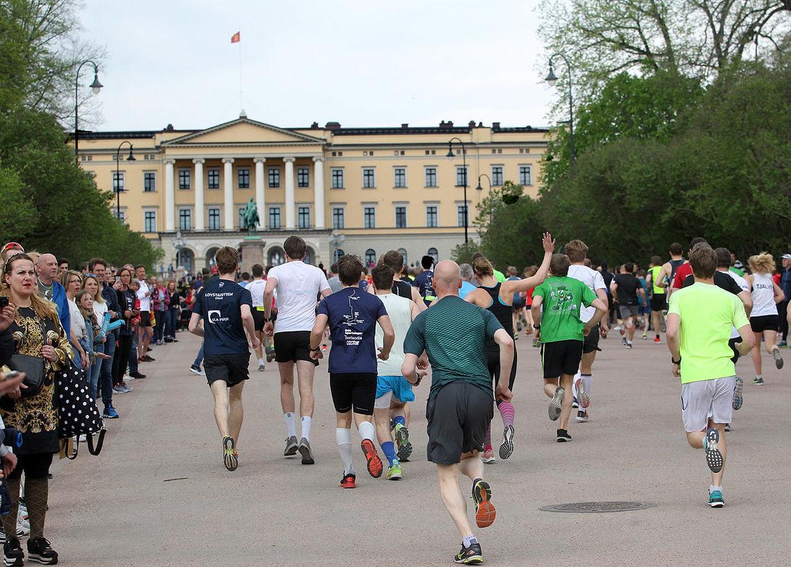 Arrangøren stod overfor mange vanskelgie valg da de valgte å flytte Sentrumsløpet til 10. oktober. (Foto: Kjell Vigestad)