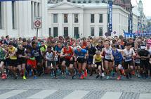 Sentrumsløpet har både 5 og 10 km på programmet, men det finnes også en rekke andre flotte løp en kan ha som mål og teste seg i. (Foto: Per Inge Østmoen)