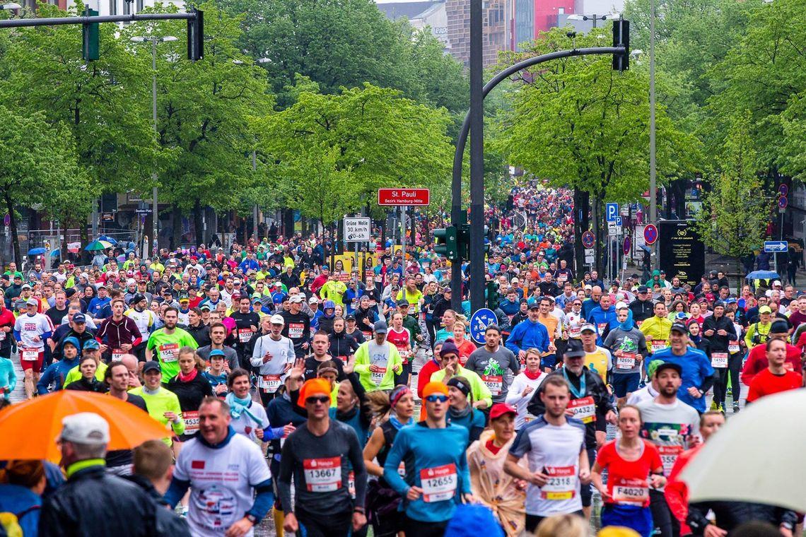 Det var 35000 påmeldte i Hamburg, ca 14000 av dem på maratondistansen. (Arrangørfoto)