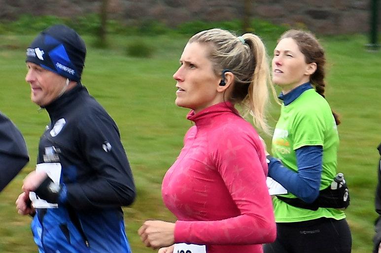 Fevik halvmaraton 11AnetteKjellesvik.jpg