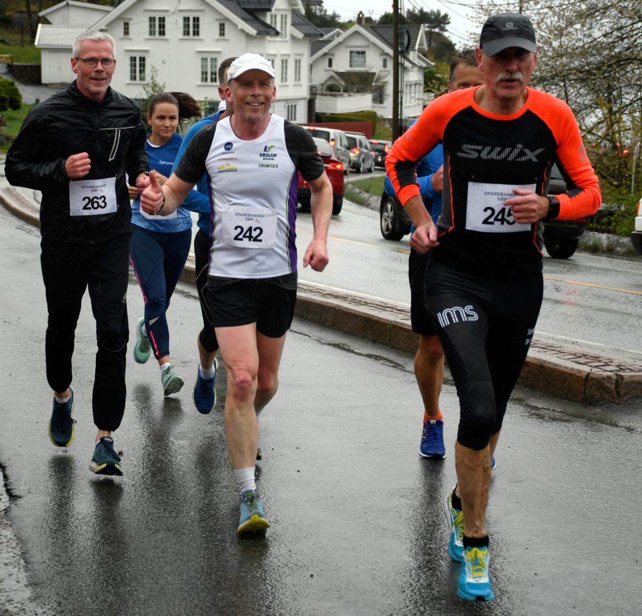 Fevik halvmaraton 13MarksethMflere.jpg