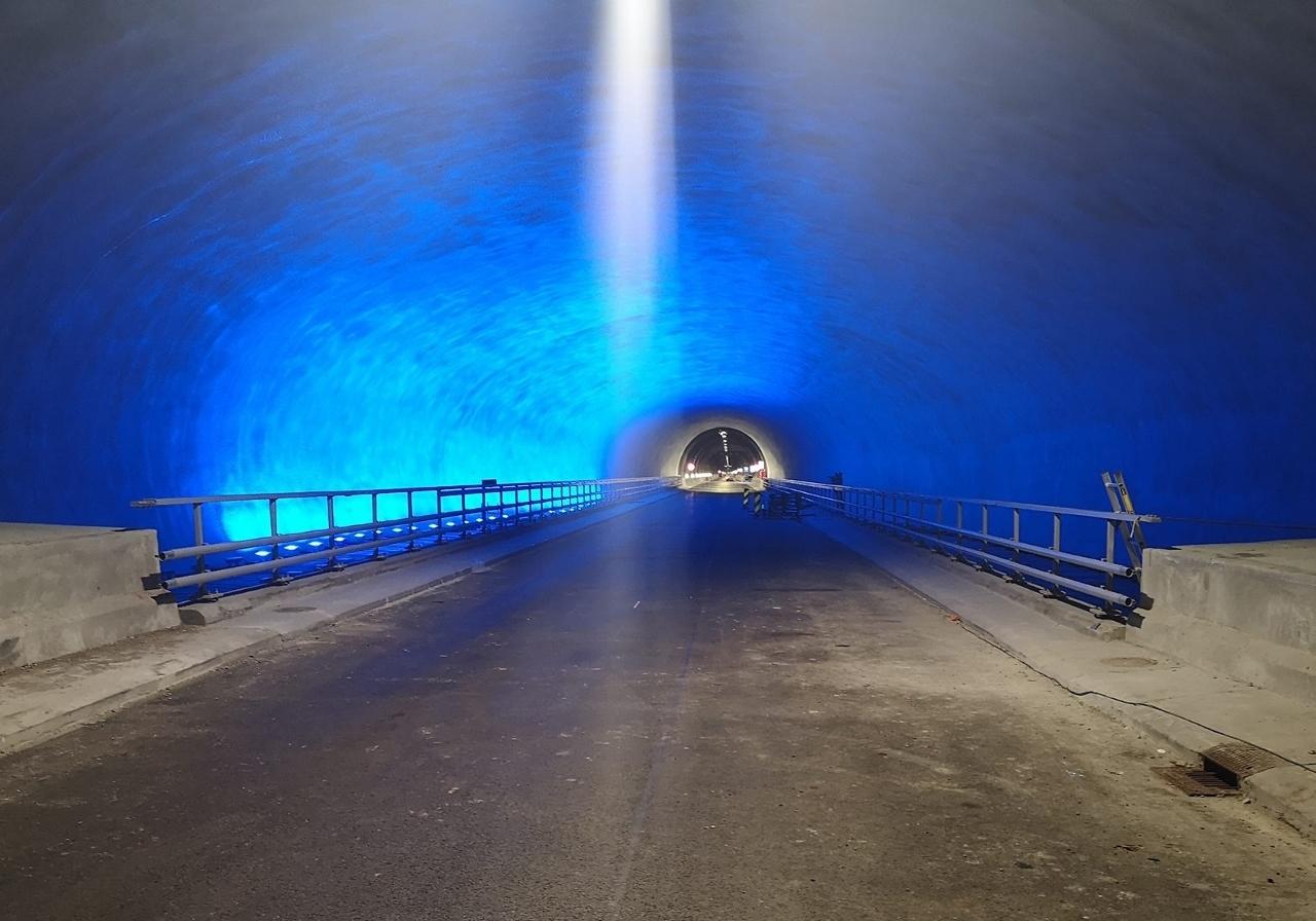 Fjellhallen_midt_-i_tunnelen2 (1280x896).jpg