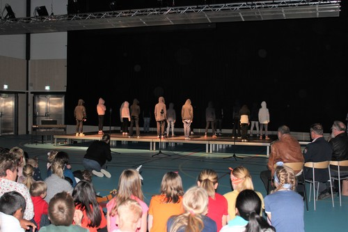 Scene, lyd- og lysanlegg i bruk Smestad skole