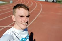 Ikke slit deg ut på trening: Marius Vedvik er opptatt av at vi skal spare det siste giret til konkurransene. Vi skal ikke slite oss ut på trening.