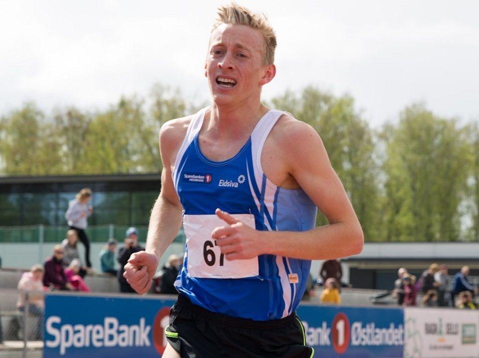Even Brøndbo Dahl løp solo inn til 14. 43.78 på 5000 m som var innlagt i det første stevnet på Børstad Idrettpark og greide hårfint kravet til Student-OL i Napoli i juli. (Foto: Fredrik Garshol)