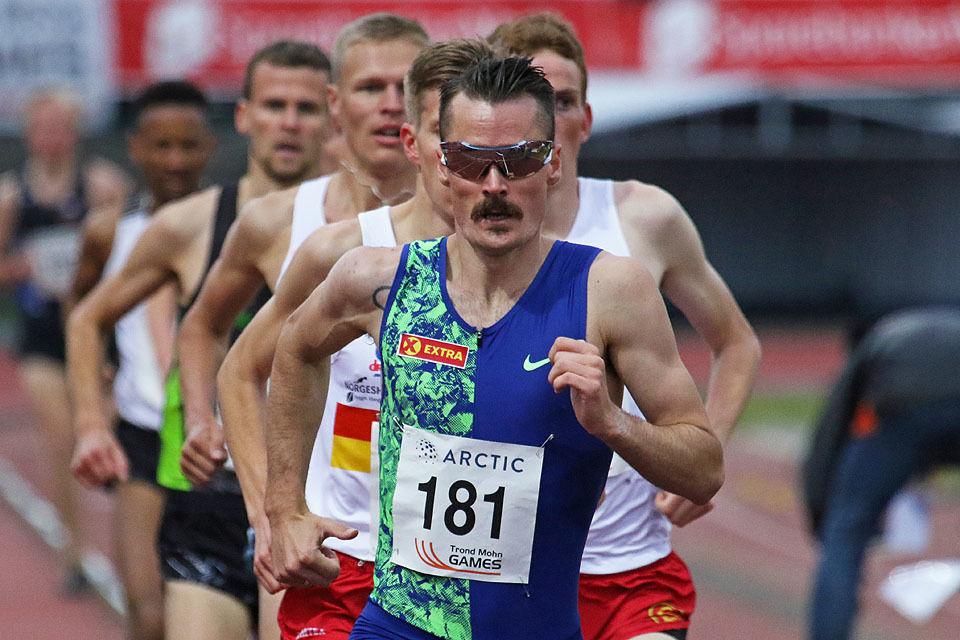 Henrik Ingebrigtsen startet sesongen med seier på 3000 meter i Trond Mohn Games.