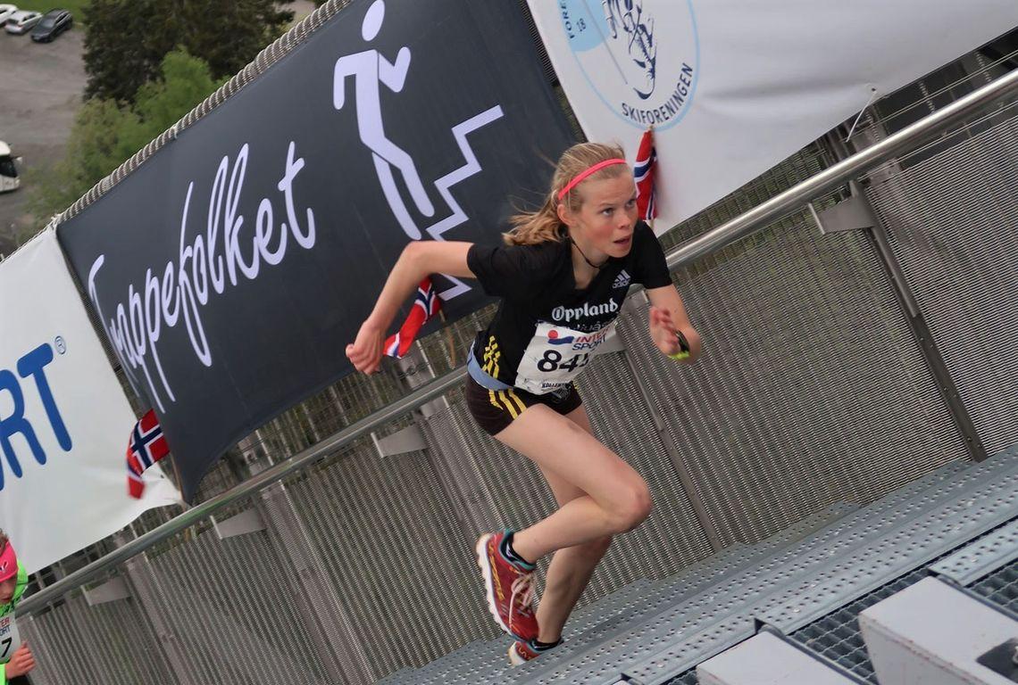 Malin Hoelsveen imponerte stort i Kollentrappa der hun vant jente/kvinneklassen overlegent, kun tre herreløpere hadde bedre tid. (Foto: Marie Reierth)