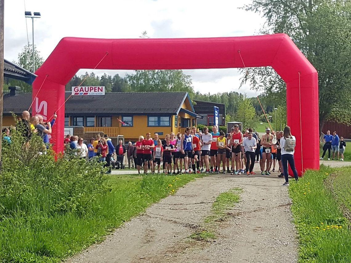 Reidar Berges Æresløp hadde 70 aktive på 10 og 5 km til sammen i premiéreløpet. (Foto: Rudy Van Oevelen)