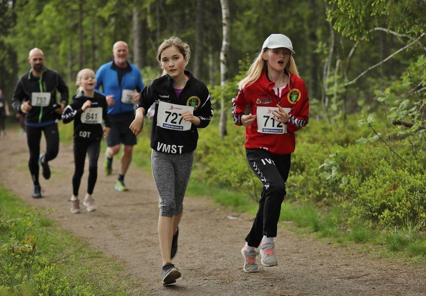 IMGL5467_Vilde_Marie_Tangvik_Ive_Røkke (1280x889)