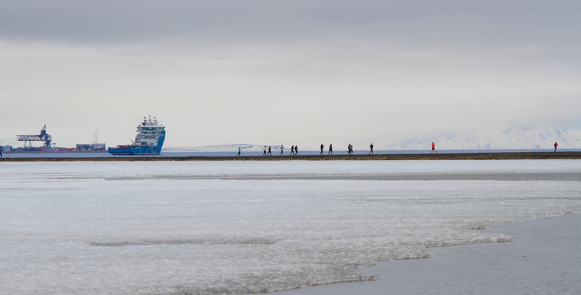 Løpere_på_Svalbard.jpg