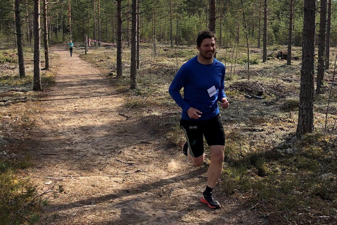 Ronny Bohrmann kjenner løypene i Stavåsen godt fra både Elverumtrimmen og Gå-joggen. Her fra fjorårets løp i Gå-joggen.