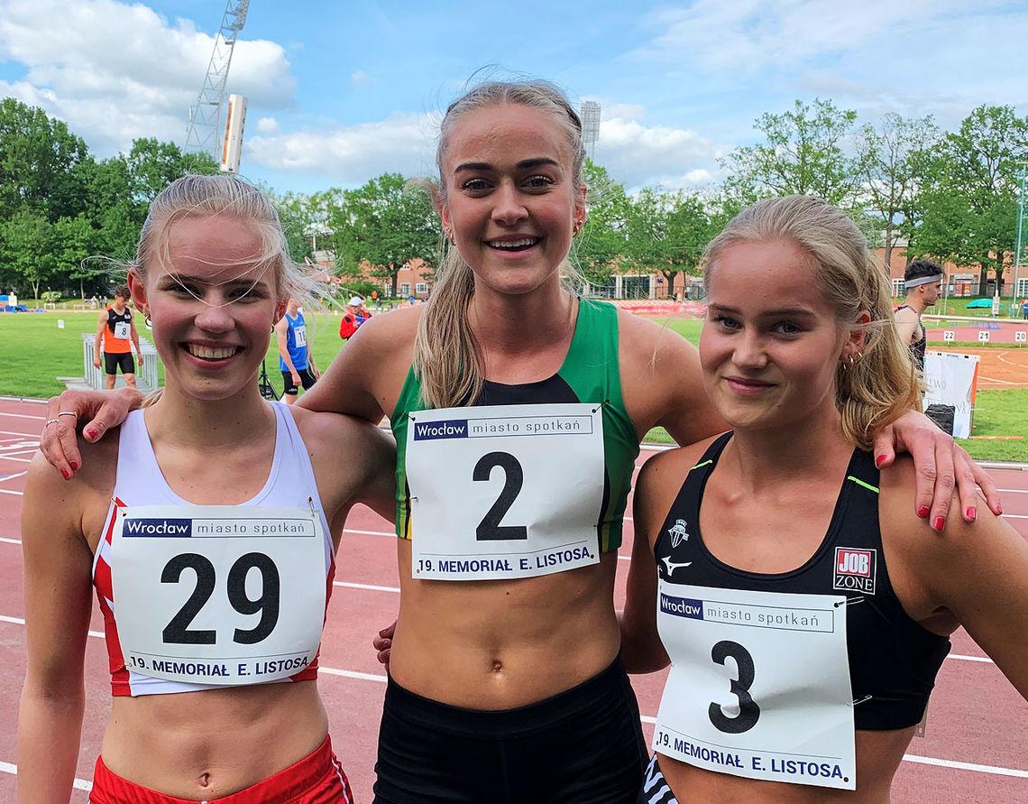 Pernille Karlsen Antonsen (til venstre), Amalie Sæten (midten) og Malin Edland viste friske 800 m-takter i polske Wroclaw. (Foto: Hans Jørgen Borgen)