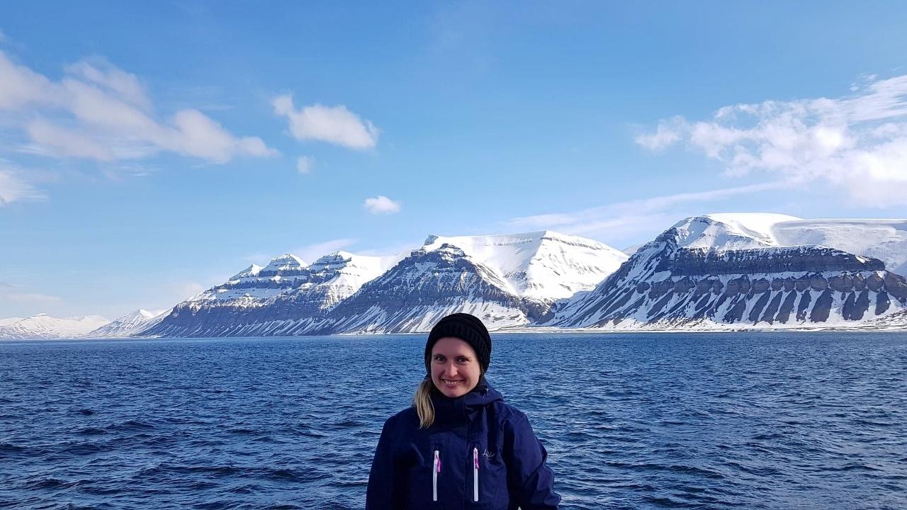 Isabel_på_Svalbard_1 (1280x720).jpg