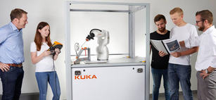 kuka-ready2-educate crop
