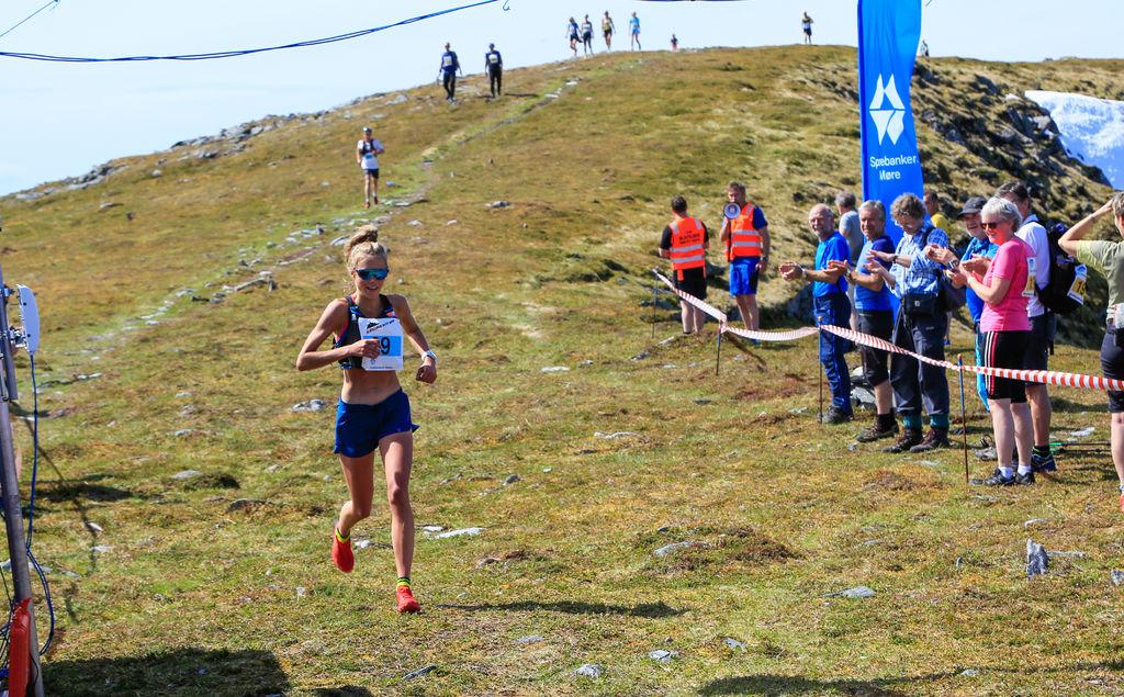 Løyperekordløpet til Johanna Åström fra Dynafit. Foto: John Willy Klungre