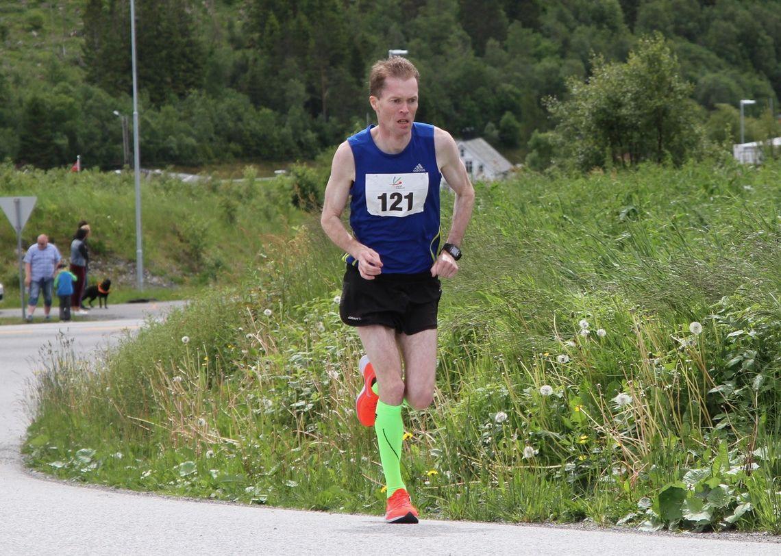 Kristian Nedregård blir 45 år i august og holder formen forbausende godt. Kristian jobber i Oslo og bor tidvis der og i hjembyen Ålesund