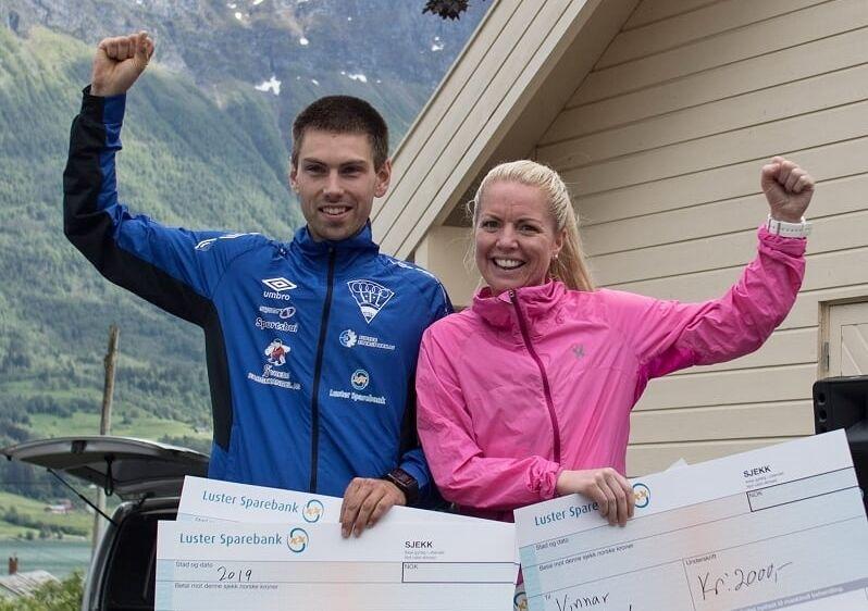 Vinnerne Geir Steig og Marit Liseth Fimreite.  (Foto: Svein Tore Heltne)