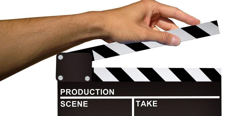 Illustrasjonsbilde av noen som lager film