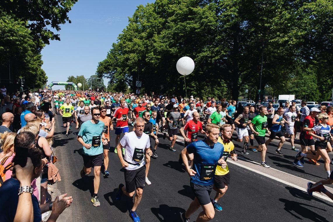 Starten på 10 km. (Arrangørfoto)