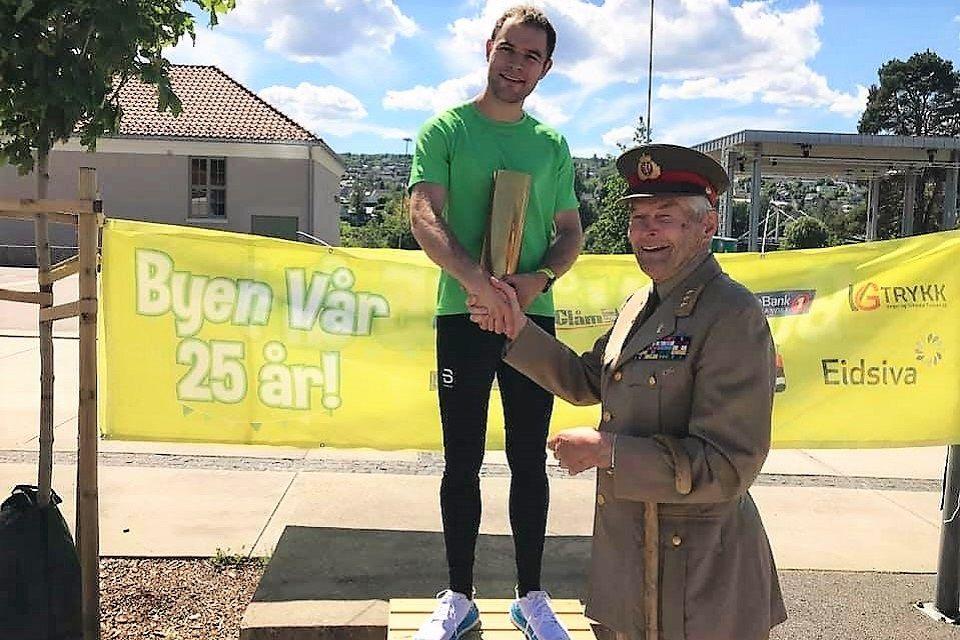 Henrik Nilsson tok sitt første napp i artillerioberstens pokal. (Foto fra løpets facebookside)