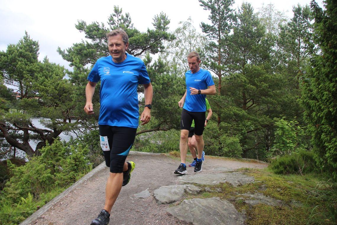 Løpere i den flotte runden i Søgne. (Foto: Guri Sæterlid)
