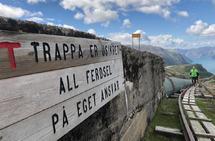 4444 trinn bestående av både trapp og hønsestige skal forseres før man løper en annen løype ned til Lysefjorden igjen. (Arrangørfoto)