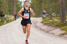 Odd Gundersen Sagbakken presset sin egen tid ned til 32:01 på 9,6 km i Femundterrenget i år. (Foto: Jan Ole Johnsgard)