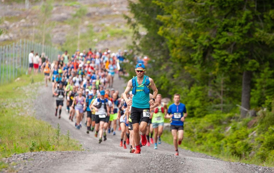 Hele 297 starta i det 50 km lange Romeriksåsen på langs i fjor. I år blir det ikke arrangert. (Foto: Audun Morgestad)