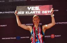 Mari Nustad Mauland ble den første kvinnen som fullførte Lysefjorden Rundt Extreme ultra. (Arrangørfoto)