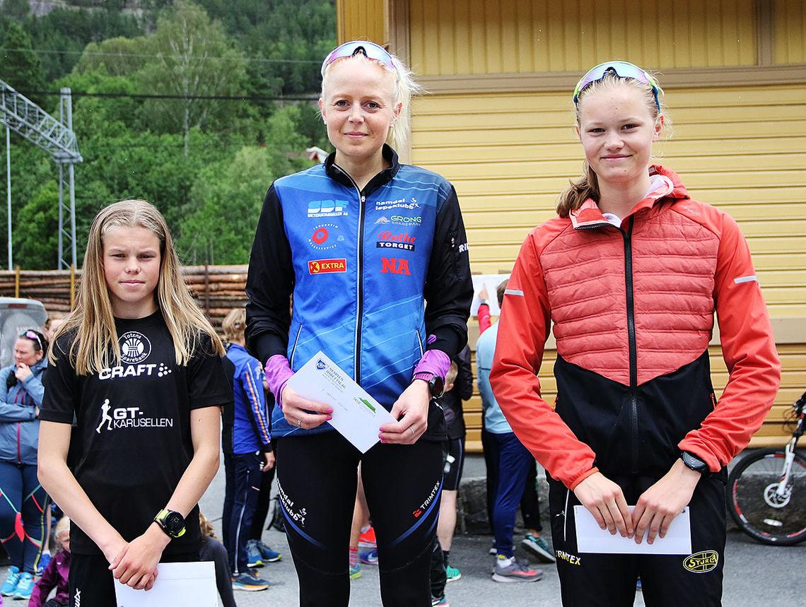 Heidi Hestmark Smalås (midten) vant foran Malin Hoelsveen (til venstre) og Maria Hartz Melling. (Foto: Runar Gilberg)