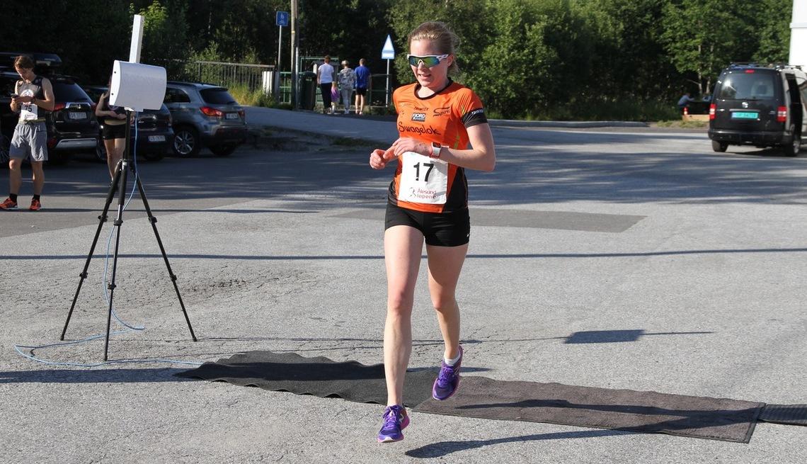 Janne Elin Vatnaland vant 10 km i Ålesund på tiden 41.15. Janne hadde bare fire menn foran seg på resultatlisten