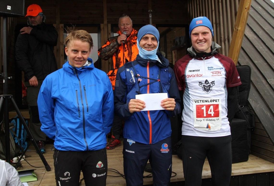 De tre beste menn i Vetenløpet. Fra venstre, Ole Martin Erdal (2), Thorbjørn Ludvigsen (vinner) og Mark Purkis (3)