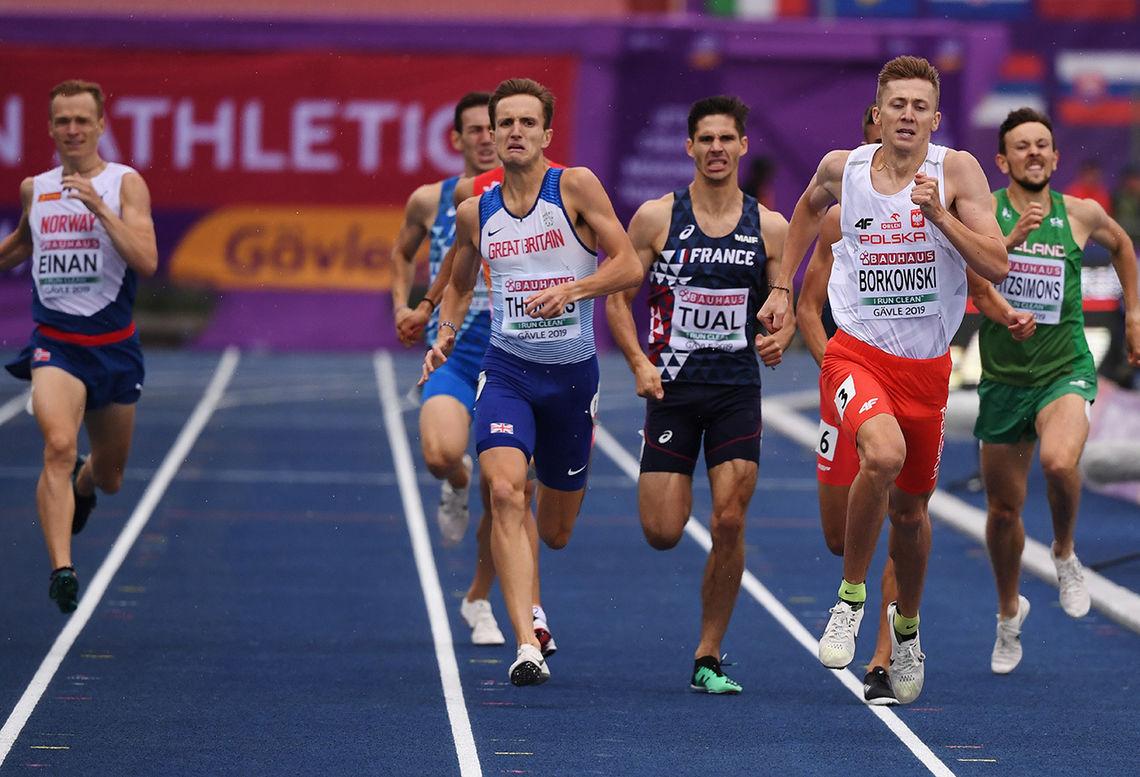 Markus Einan (til venstre) var ikke langt bak de som kjempa om medaljene, men måtte se seks mann foran seg. Polske Mateusz Borkowski vant. (Foto: European Athletics via Getty Images)