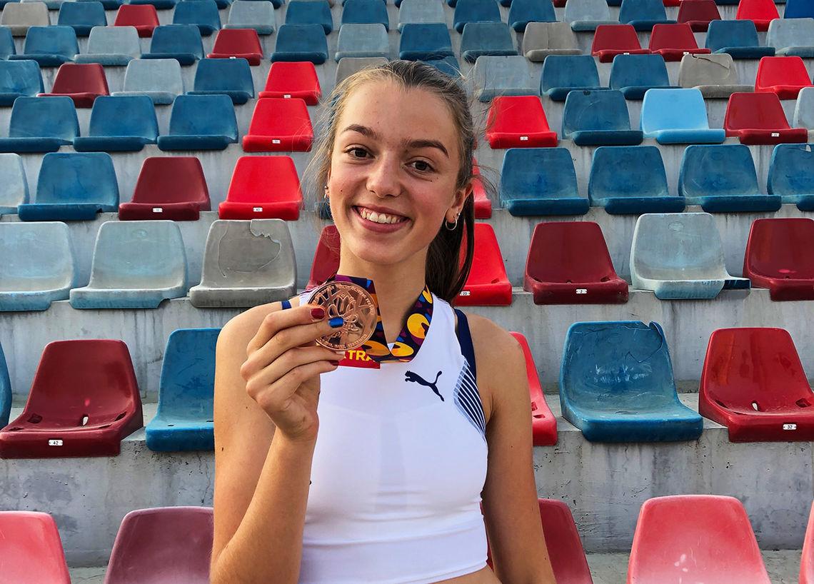 Bronsevinneren på 2000 m hinder heter Sigrid Alvik og er fra Norge. (Foto: Ina Halle Haugen)