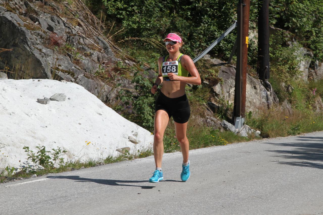 Halvmaraton_kvinnevinner_Malene_Knutsen_Breivik