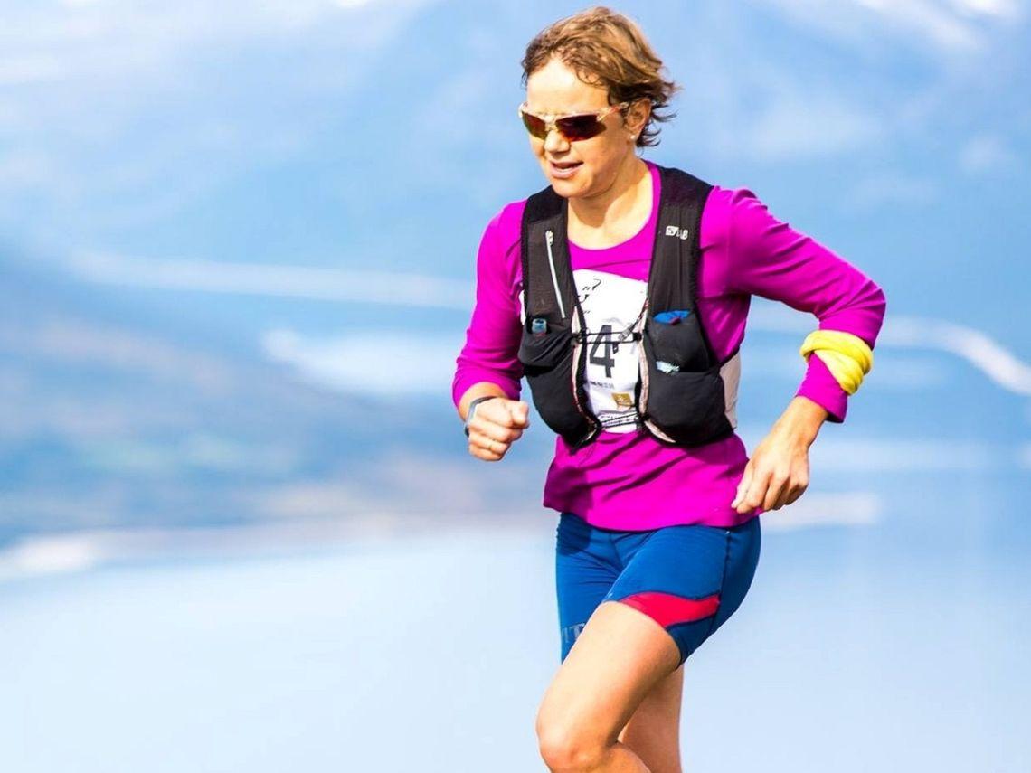 Berit Nordstad stod for dagens sterkeste prestasjon i varmen på Tolga. Bildet er tatt da hun vant Trollheimen Fjellmaraton på Oppdal i fjor.  (Foto: Privat)