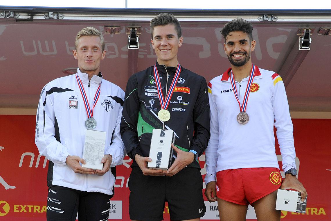 Premiepallen på 1500 meter i NM: Ferdinand Kvan Edman, Jakob Ingebrigtsen og Jacob Boutera.