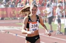 Hedda Hynne stormer inn til NM-tittel på 800 meter.