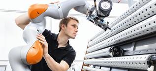 KUKA_Human-Robot-Collaboration crop