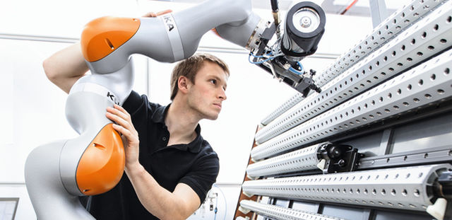 KUKA_Human-Robot-Collaboration crop