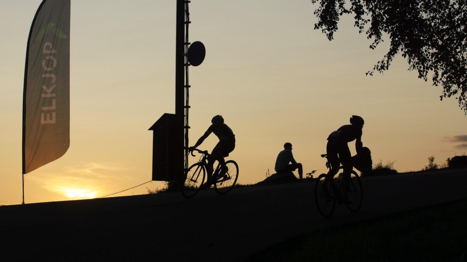 Nattsykling.jpg