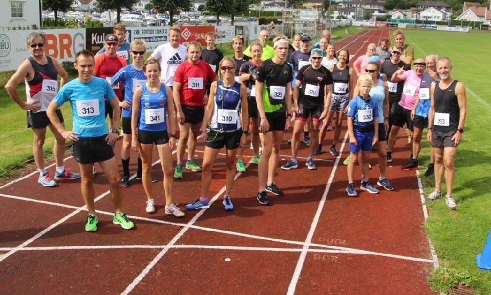 Startfeltet på 5000 m som talte 32 deltagere (Foto: IL Express-Henrik Kofoed Nielsen)