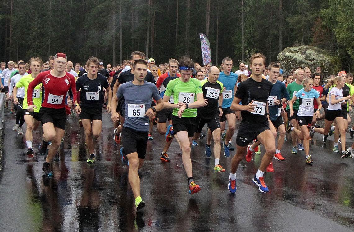 Det ble nok en deltakerrekord i Sørdalskarusellen på Lillehammer med 217 løpere på startsreken. Geir Steig (65) var i tet allerde ved start, og vant sitt 8. løp i Sørdalskarusellen i år av 8 mulige.