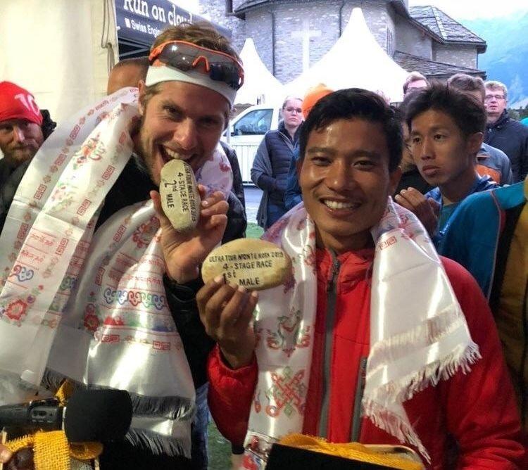 Hans Kristian Smedsrød og vinneren Bikash Tamang fra Nepal. (Privat foto)