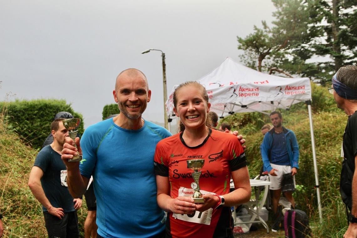 Janne Elin Vatnaland og Karl Idar Vik vant Blodslitet i Ålesund som ikke må forveksles med orienteringsløpet Blodslitet i Østfold. Foto: Sigbjørn Lerstad
