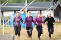 Team BASH - Bente, Anna, Silje og Heidi - i farta! (Foto: Lars Bryhn Nyland)